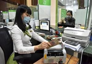 Tăng cường tín dụng hỗ trợ doanh nghiệp và người dân