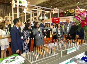 Gần 500 đơn vị thuộc 32 quốc gia tham gia VietnamWood và Furnitec 2019
