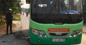 Nữ kiểm soát vé xe buýt bất ngờ bị khách đâm tử vong