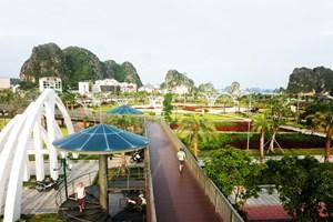 Quảng Ninh: Tạm đóng cửa các công viên, chốt không cho người dân đến