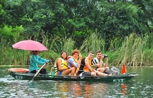 Du lịch Việt Nam đã đón được 12,9 triệu lượt khách quốc tế