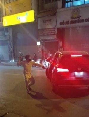 Chủ tịch Hà Nội yêu cầu xử nghiêm vụ hỗn chiến sau va chạm giao thông