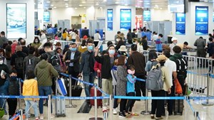 Từ chối làm thủ tục chuyến bay nếu hành khách không đeo khẩu trang