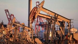 Cuộc chiến giá dầu bên cuộc chiến dịch bệnh