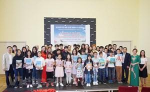 Chuẩn hóa việc dạy và học tiếng Việt trong cộng đồng tại Séc