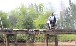 Quảng Nam: Cầu dân sinh xuống cấp, dân vừa đi vừa sợ