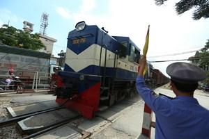 Đường sắt  trong vòng luẩn quẩn