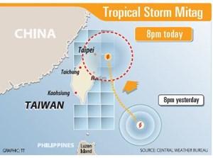 Đóng cửa trường học, hủy 150 chuyến bay vì lo ngại bão Mitag hoành hành