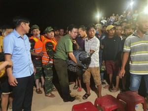 Quảng Nam: Tìm thấy thi thể đầu tiên vụ lật ghe khiến 5 người mất tích
