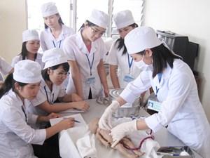 Đào tạo khối ngành sức khỏe: Điểm sàn đi kèm hậu kiểm