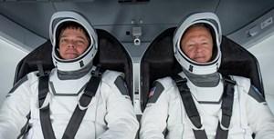 SpaceX 'đếm ngược' tới chuyến bay đầu tiên đưa người lên vũ trụ