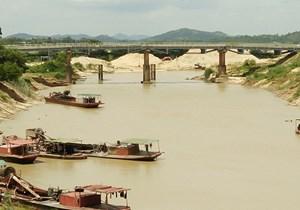 Cấm khai thác cát, sỏi khu vực bờ sông có nguy cơ sạt lở