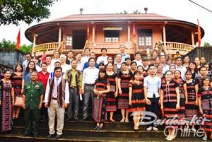 BẢN TIN MẶT TRẬN: Ngày hội Đại đoàn kết ở Ta Rung