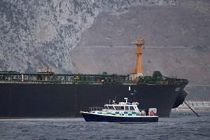 Iran phóng thích 7 thủy thủ trên tàu chở dầu của Anh: Nhân đạo hay xuống thang?
