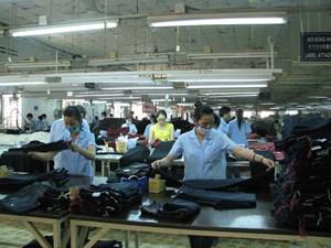 Người lao động may mặc bị ngừng việc và mất việc làm gia tăng