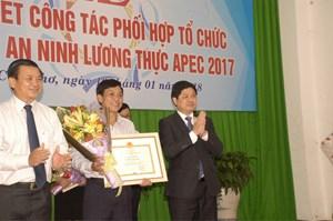 Bộ Nông nghiệp khen thưởng tập thể, cá nhân vì phối hợp tổ chức tốt APEC