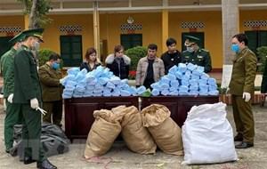 Nhiều vụ buôn lậu khẩu trang y tế gây khó khăn cho công tác phòng chống dịch