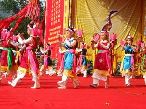 Lễ hội cần đa dạng và tích cực