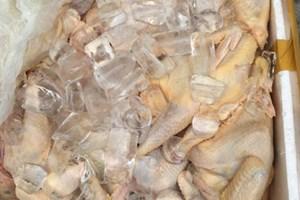Đà Nẵng: Bắt vụ vận chuyển thuốc lá và thịt gà không rõ nguồn gốc