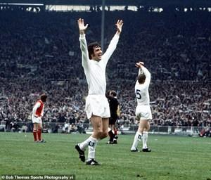 Nhà vô địch World Cup 1966 qua đời vì Covid-19
