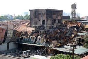 Vụ cháy Công ty Rạng Đông: Rải hóa chất chống phát tán thủy ngân ra môi trường