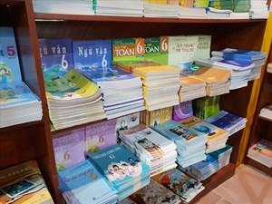 Chương trình giáo dục phổ thông mới: Thận trọng với sách giáo khoa