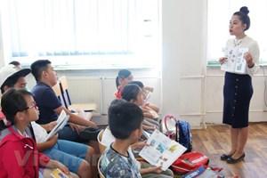 Cộng hòa Séc: Khai giảng lớp học tiếng Việt mùa Hè tại Prague