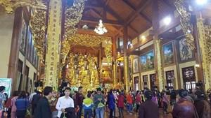 Yêu cầu các Tăng Ni cấm túc tại các chùa, cơ sở tự viện