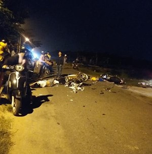 Tại nạn xe máy nghiêm trọng, 4 người thương vong