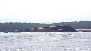 Sau sự cố tràn dầu trên sông Lòng Tàu: Nhiều hộ nuôi thủy hải sản được khuyến cáo di dời