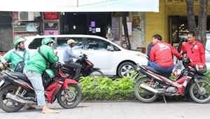 Xe công nghệ cạnh tranh gay gắt