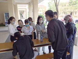 Thăm cơ sở cung cấp dung dịch diệt khuẩn miễn phí ở Huế