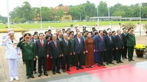 [ẢNH] Lãnh đạo Đảng, Nhà nước, MTTQ Việt Nam vào Lăng viếng Chủ tịch Hồ Chí Minh