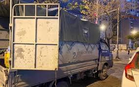 Phát hiện 2 xe bán tải vận chuyển 50.000 khẩu trang không rõ nguồn gốc