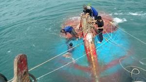 Một tàu cá Quảng Ngãi bị chìm trên vùng biển Hoàng Sa