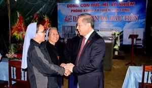 Chủ tịch tỉnh Thừa Thiên - Huế dự lễ khởi công Phòng khám từ thiện Kim Long