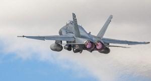 [VIDEO] Su-27 của Nga rượt đuổi 'nghẹt thở' chiếc F-18 của Tây Ban Nha trên biển Baltic