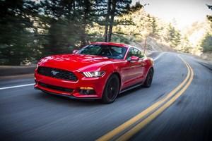 Ford Mustang - 56 năm vẫn không lỗi mốt