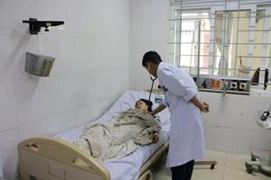 Hà Tĩnh: Đốt than sưởi ấm trong phòng kín, 2 mẹ con bị ngộ độc khí