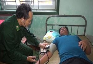 Quảng Trị: Kịp thời ứng cứu 11 thuyền viên gặp nạn trên biển