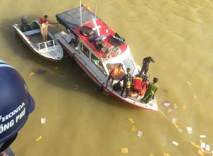 Nam thanh niên gieo mình xuống sông Hương