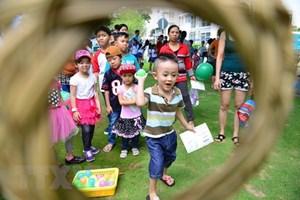 Hội chợ sách tháng Sáu giới thiệu nhiều tựa sách về giáo dục trẻ nhỏ