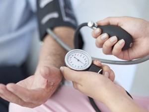 Huyết áp 130/80: Tăng gấp đôi nguy cơ mất trí nhớ