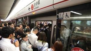 Hệ thống tàu điện ngầm Hong Kong gặp sự cố khiến 8 người bị thương