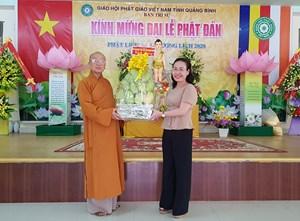 Mặt trận tỉnh Quảng Bình thăm và chúc mừng Đại lễ Phật đản 2020