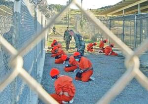 Công bố nhiều hình ảnh CIA tra tấn tù nhân