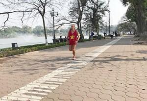 Người dân ủng hộ việc lát đá quanh Hồ Gươm