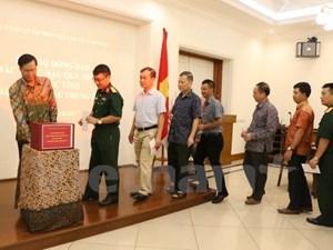 Người Việt tại Indonesia quyên góp ủng hộ thư viện Đinh Hữu Dư