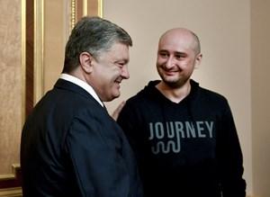 Nhà báo Nga giả chết ở Ukraine
