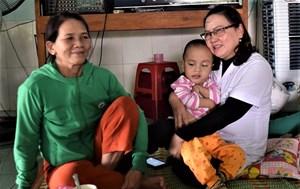 Quảng Nam: Những cô giáo 'thầm lặng' dạy trẻ em khuyết tật